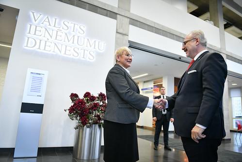 04.11.2019. Valsts prezidents Egils Levits apmeklē Valsts ieņēmumu dienestu, sniedz priekšlasījumu par labas pārvaldības principiem un diskutē ar darbiniekiem