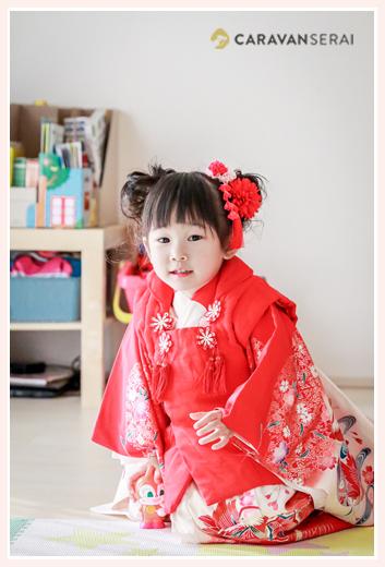 七五三 3歳の女の子 赤い着物 赤い髪飾り
