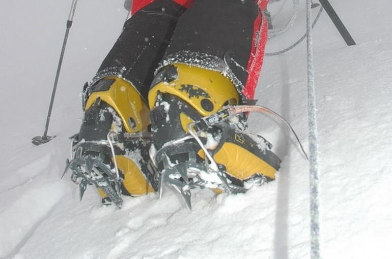 Stoupací železa na lyžařské boty, zvané mačky