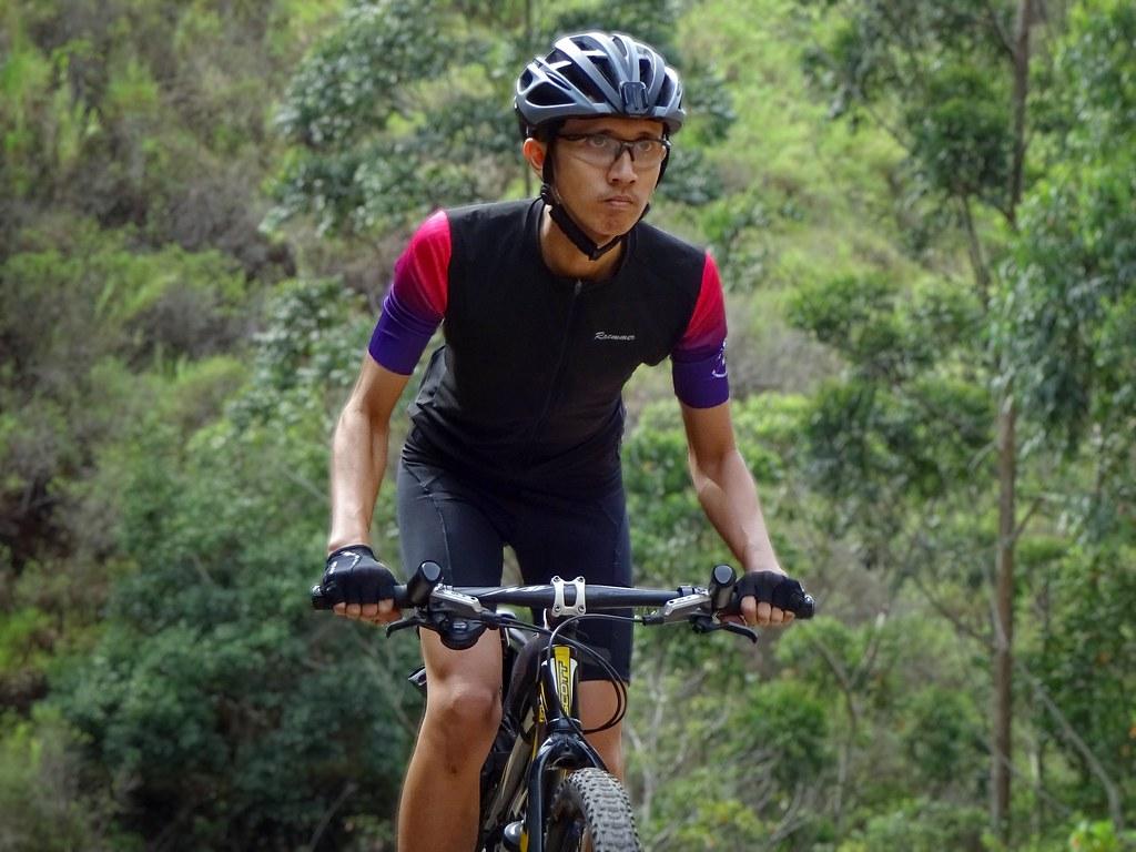 Racmmer Elite Jersey on Palintang Climb
