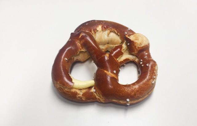 Butter pretzel / Butterbrezel