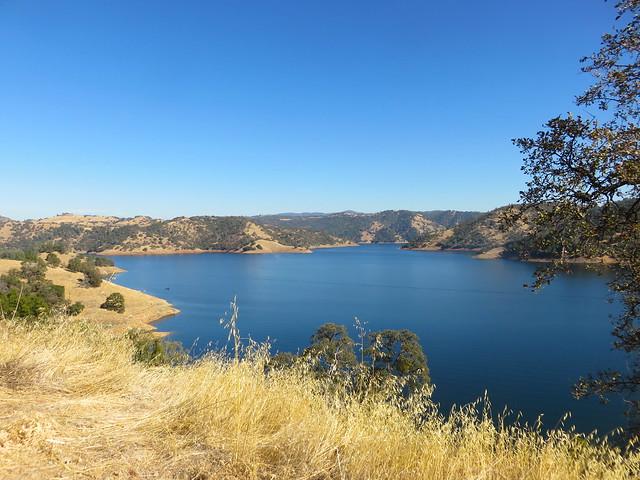 California, New Melones Lake