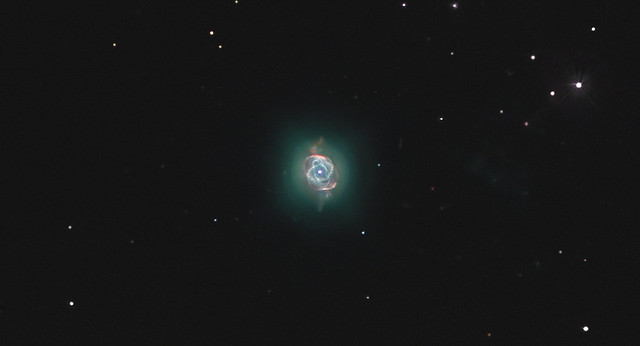 NGC 6543, The Cat's Eye Nebula ,the core and his rings