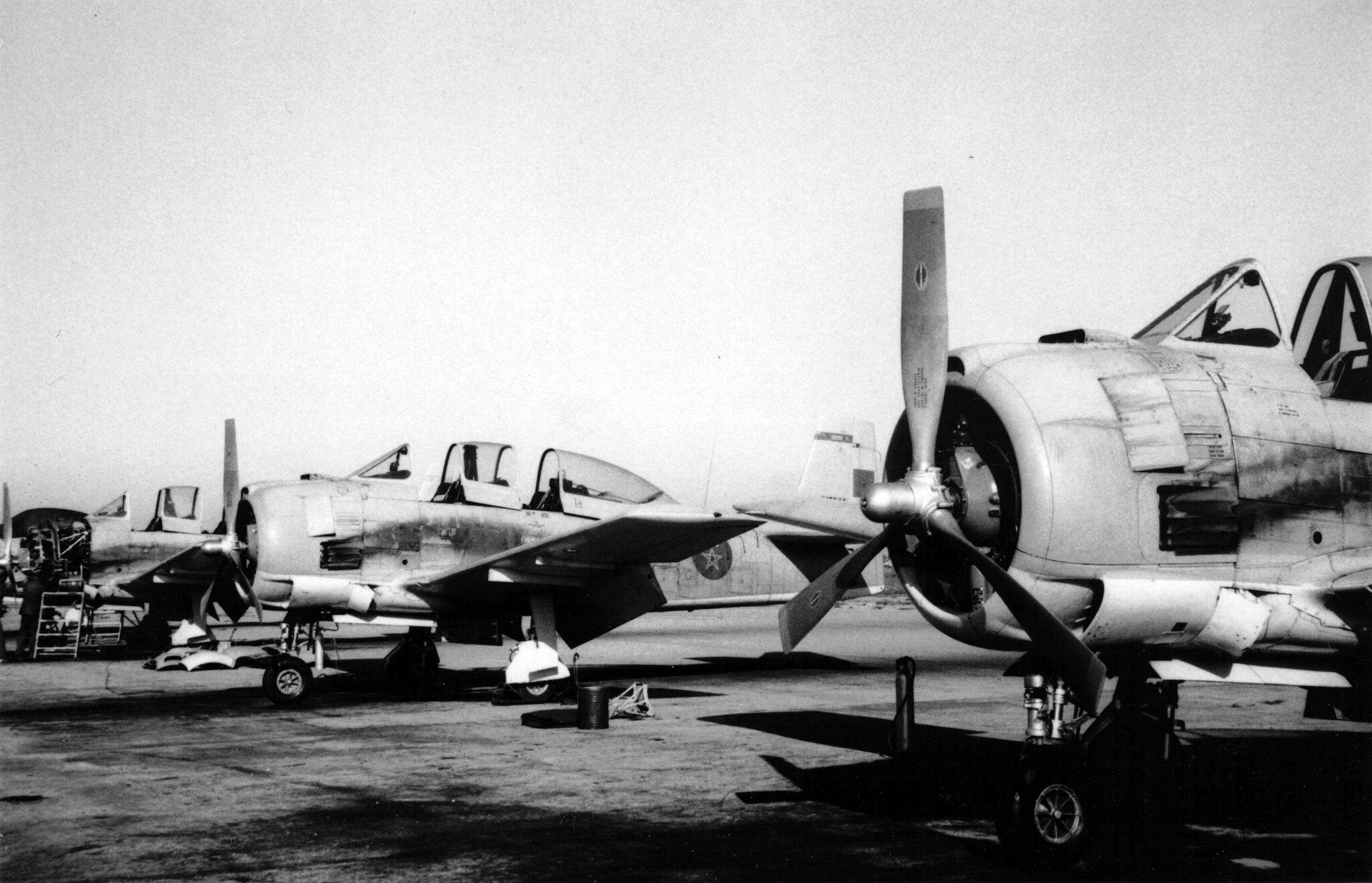 FRA: Photos anciens avions des FRA - Page 13 49014572581_d43a035d49_k