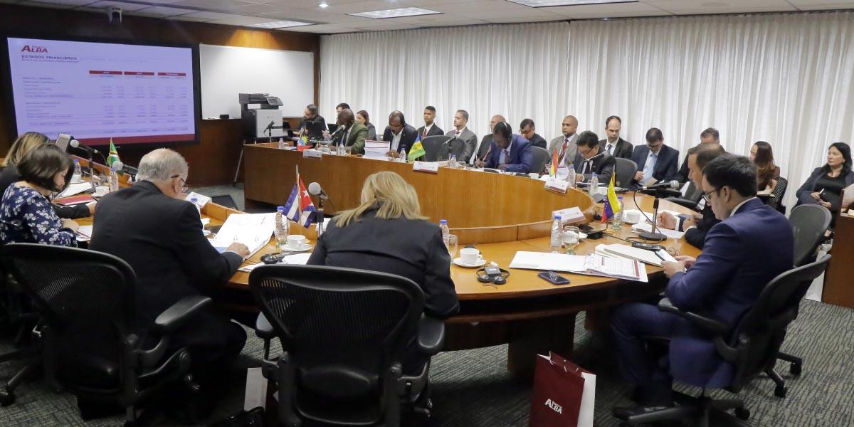 Antigua y Barbuda firma adhesión como séptimo miembro del Banco del Alba