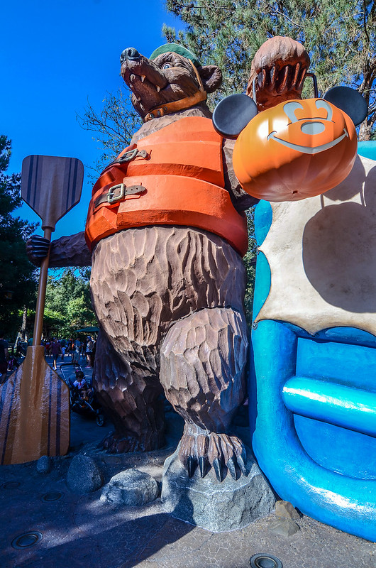 Halloween Rafting Bear DCA Grizzly Peak