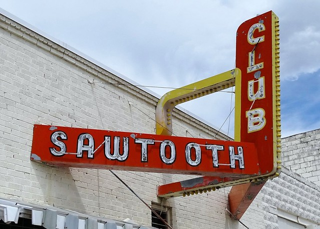 ID, Arco-U.S. 26 Sawtooth Club Neon Sign