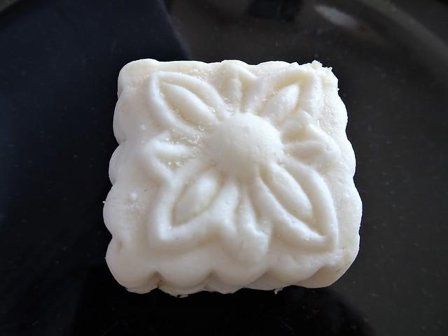 White Moon Cake