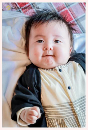 3か月の赤ちゃん 男の子 笑顔
