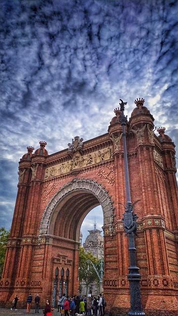 Barcelona. Arco de Triunfo. 1888. Estilo Neomudejar.