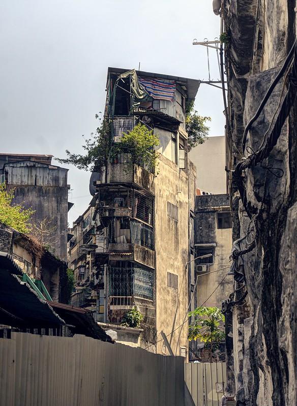 Dystopian memories of a distant past