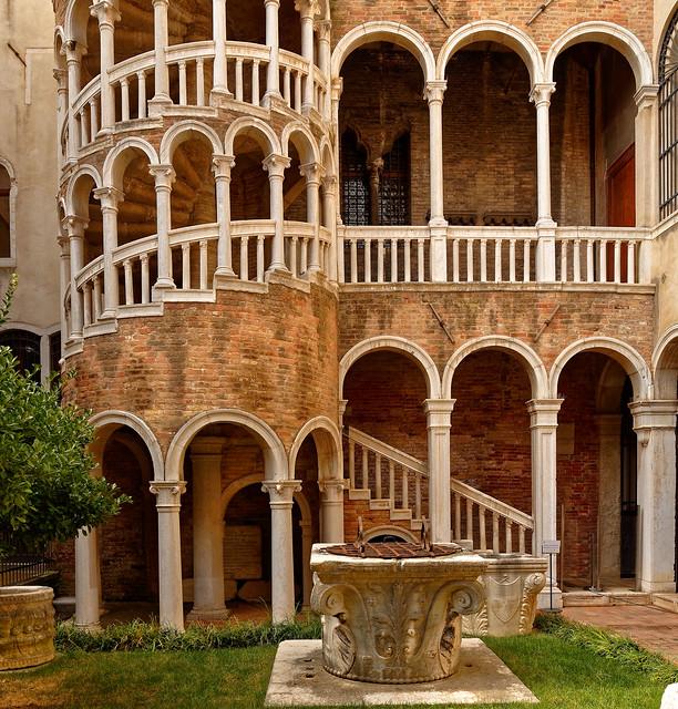 Venezia / Scala Contarini de Bovolo  2/2