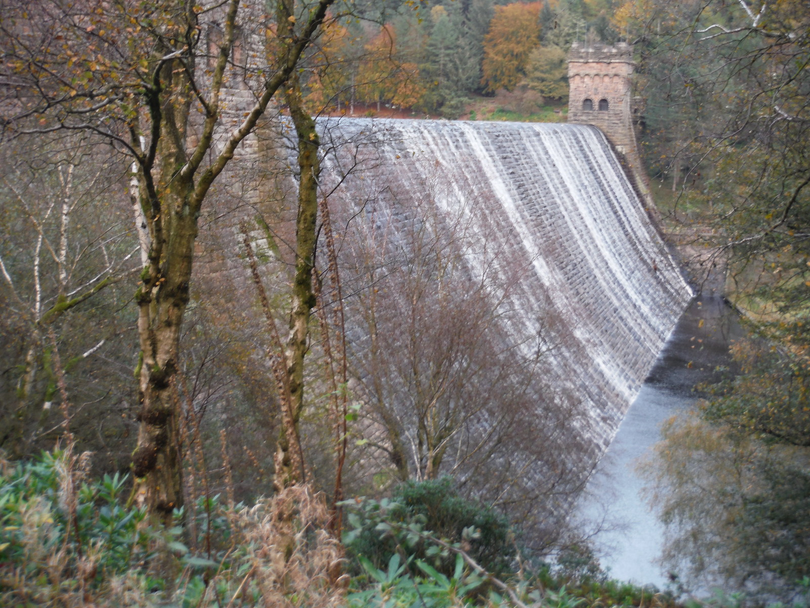 An Overflowing Derwent Dam SWC Walk 350 - Fairholmes Circular (via Bleaklow and Derwent Head) [Grinah Stones and Westend Valley Ending]