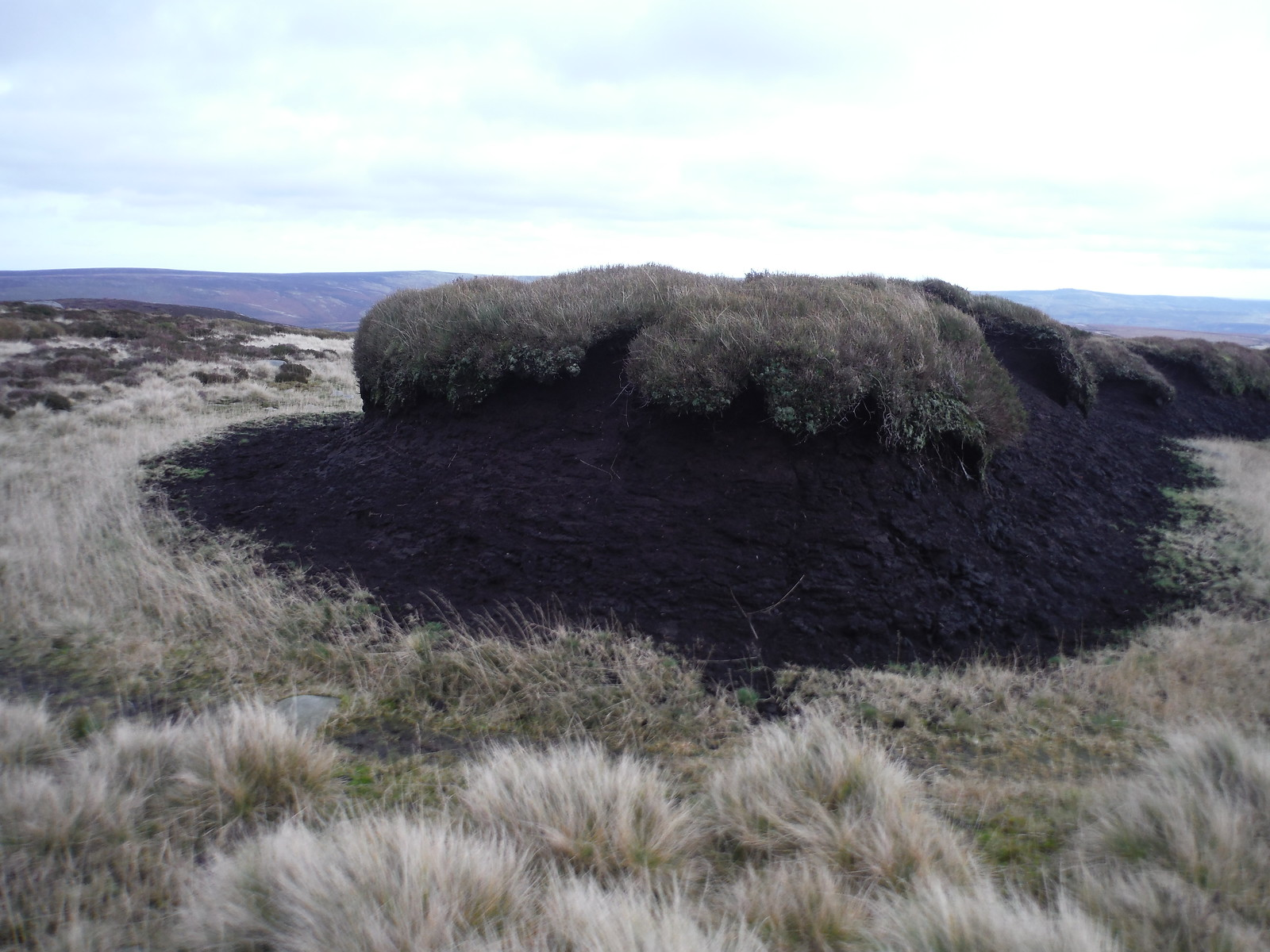 Peat Hag at top of Grough SWC Walk 350 - Fairholmes Circular (via Bleaklow and Derwent Head) [Grinah Stones and Westend Valley Ending]