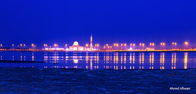 The sea side of Diyar Al Muharraq                                            ( early morning ) ..Bahrain  لحظات الفجر الأولى عند ديـار المحرق