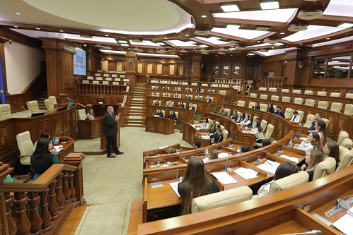 05.11.2019 Ședința plenară a Parlamentului Tinerilor