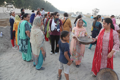 A sight of selfless service by devotees