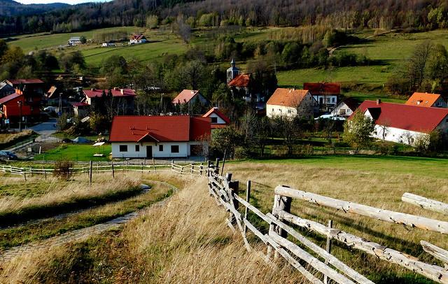 Małe miasteczko w górach.