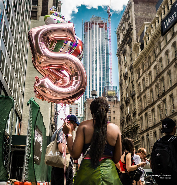 The New Yorkers - Birthday balloons