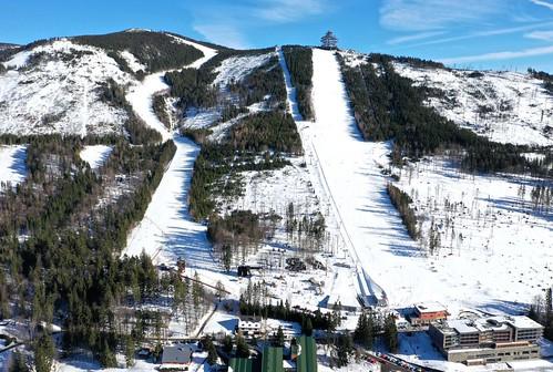 Lyžujte v lyžařském areálu na DOLNÍ MORAVĚ ve všední dny s 20% slevou