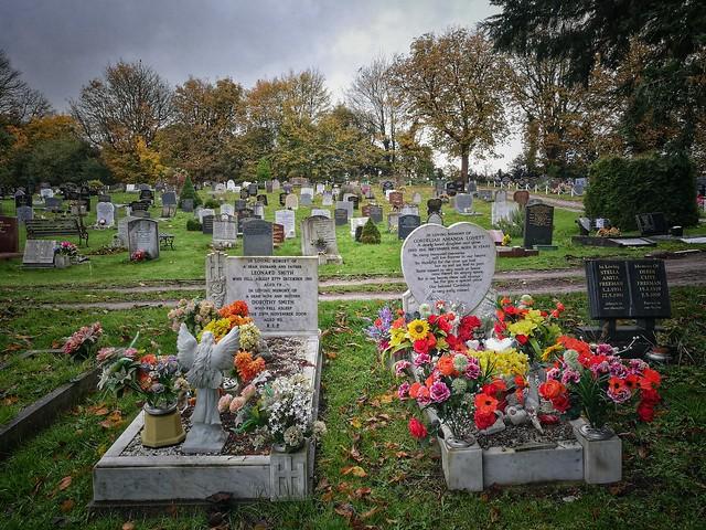 Woodcock Hill Cemetery. Rickmansworth