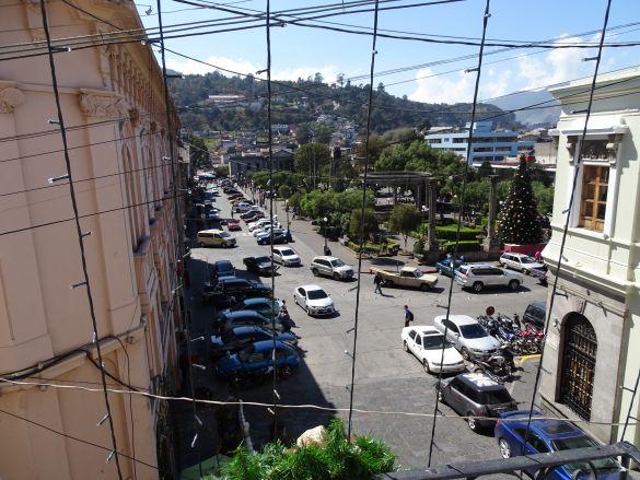 DSC00279 GuatemalaQuetzaltenango UitzichtOpHetStadspleinDoorDeKerstverlichtingVanuitHotel