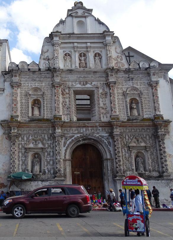DSC00292 GuatemalaQuetzaltenango TraditioneleGevelVanDeKerk