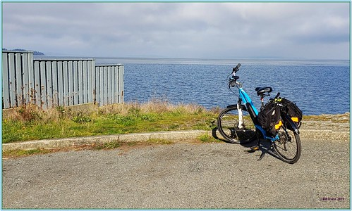 pedelec electricassist ebike delsol mcanally queenswood tudor baines telegraphbay panorama samsungsmn960w note9 google photos cadborobay gyropark saanich bicycle galaxy samsung shimano arbutus beach ocean seaside yaught boats park bioswale sand surf e6100 10mile tenmilepoint whiterock whiterockstreet killarney mttolmie tolmie mayfairdrive summit mountain climb views hobbs tree royalvictoriayachtclub marina yachts sailing universityofvictoria uvic