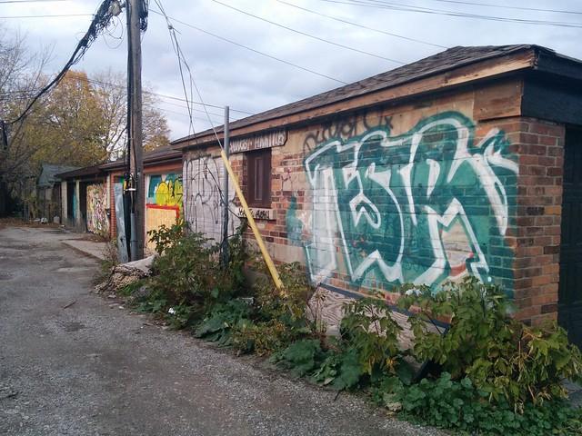 Graffiti on a Bloorcourt alley #toronto #blooranddufferin #bloorcourt #alley #laneway #graffiti
