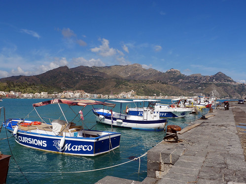 Giordanno-Naxos Harbour