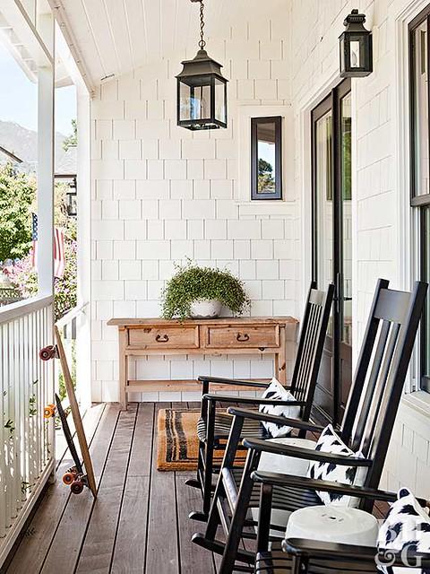 Black & White Porch