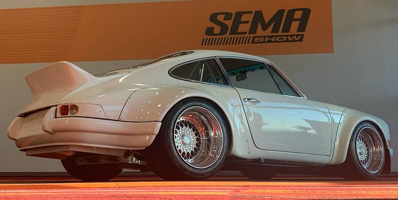 Porsche-911-E-RWB-at-2019-SEMA-Show-1