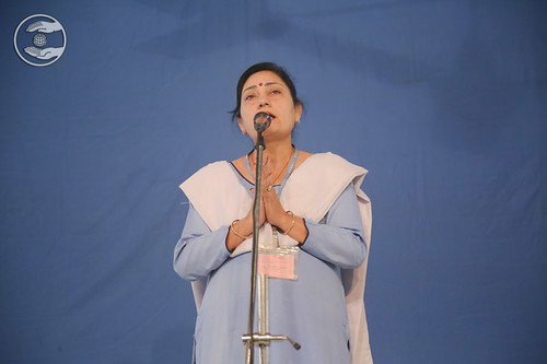Devotional song by Rashmi Khurana Ji, Nirankari Colony DL