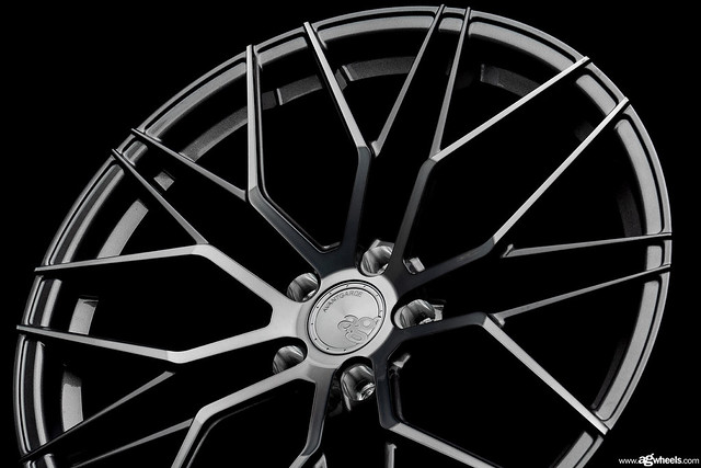 Avant Garde - M520R Dark Graphite Metallic