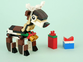 Free reindeer at LEGO.com
