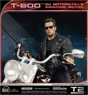 「我要你的衣服,你的靴子,跟你的摩托車。」DarkSide Collectibles Studio《魔鬼終結者2:審判日》摩托車上的 T-800 T-800 on Motorcycle 1/4 比例雕像