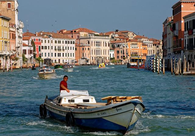 Venezia / Delivery man / Gaia / Canal Grande / Riva di Biaso