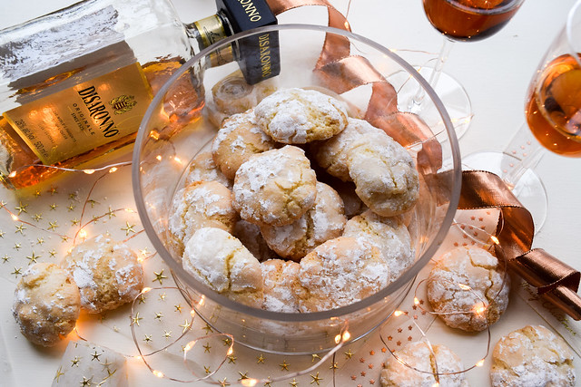 How To Make Homemade Amaretti Biscuits