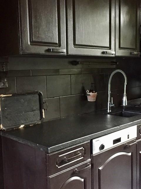 Landelijke keuken zwart geverfd