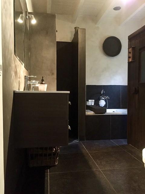 Badkamer landelijk sober