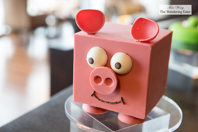 Cake decorated as a pig