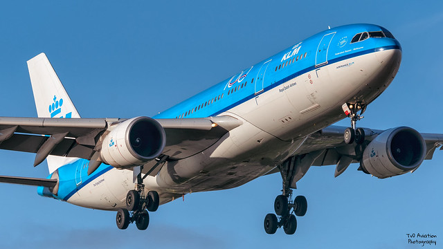 KLM Royal Dutch Airlines | Airbus A330-200 | PH-AOF