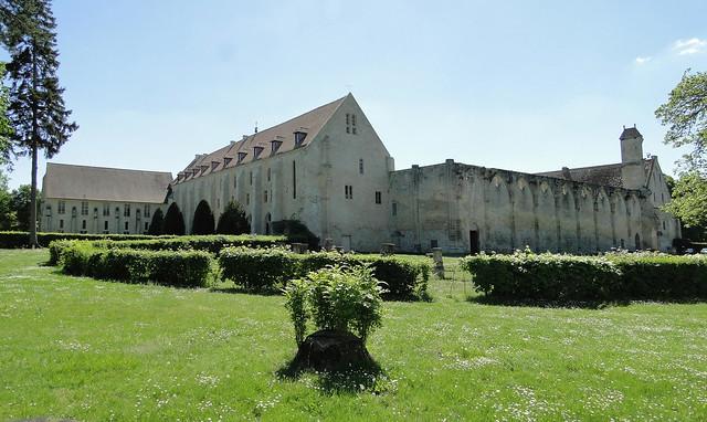 Abbaye cistercienne de Royaumont. Asnières-sur-Oise. Val-d'Oise. Vue générale. Extérieur. mai 2018