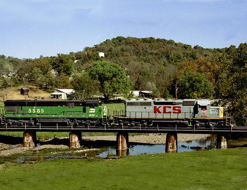 train rail railway railroad sulphursprings ark arkansas kcs kansascitysouthern ozarks bridge