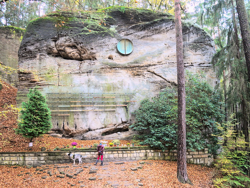 Symbolický hřbitov horolezců Hruboskalsko
