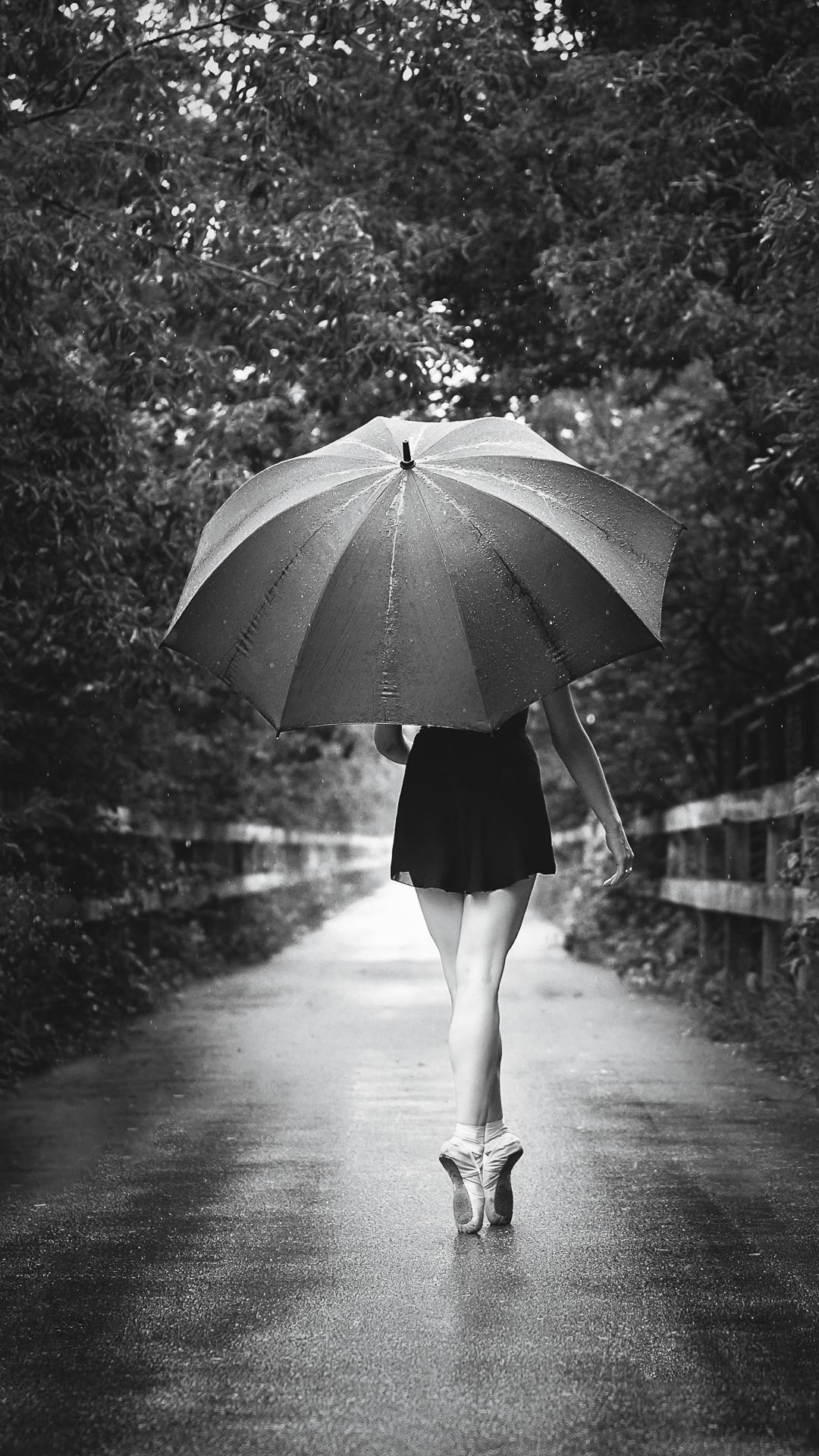Ballerine sous la pluie