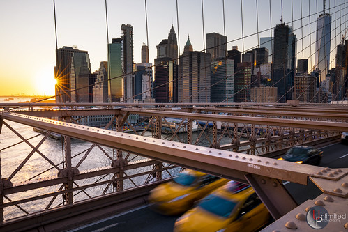 canon eos 5dmk4 sunset nyc newyorkcity bigapple brooklynbridge bridge skyline worldtradecenter taxi cars landmark famous scenic urban outdoor wideangle 1635 unlimitednyc photographer