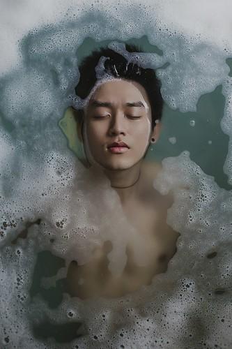 bathing-918720_1280