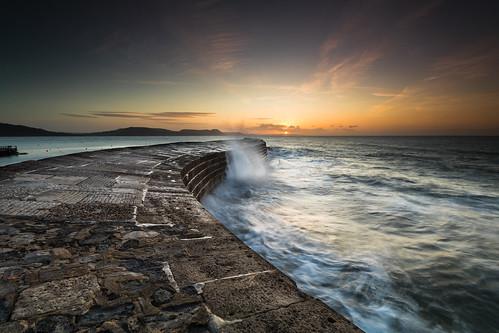 lymeregis dorset england uk sunrise thecobb waves breakwater canon 80d sigma 1020mm leefilters