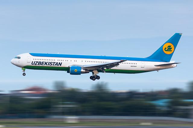 UK67007 Uzbekistan Airways Boeing 767-3CB(ER)